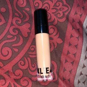 Kylie Cosmetics Makeup - Kylie Cosmetics concealer - Granola